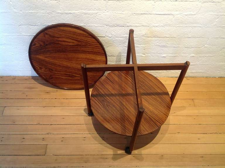 Rosewood Danish Bar cart In Excellent Condition In Palm Springs, CA
