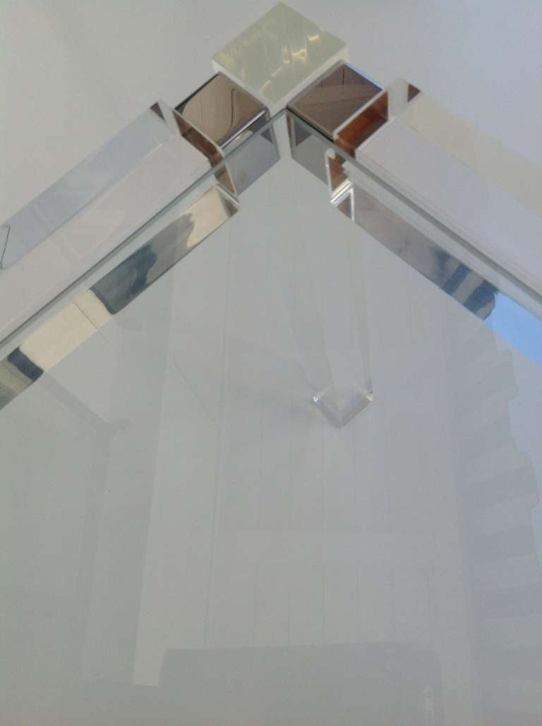 Mid-20th Century 1960s Acrylic & Glass Side Table designed by Charles Hollis Jones For Sale