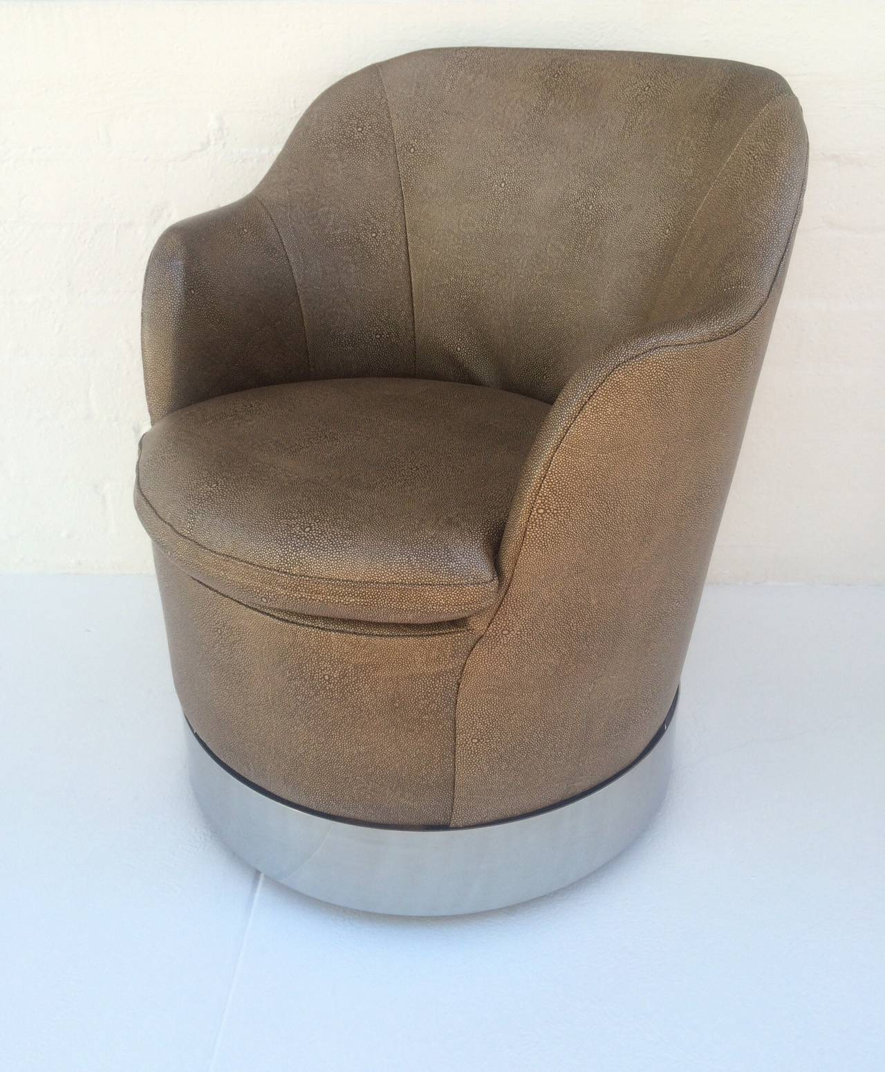 Swivel Lounge Chairs Designed by Phillip Enfield In Excellent Condition For Sale In Palm Springs, CA