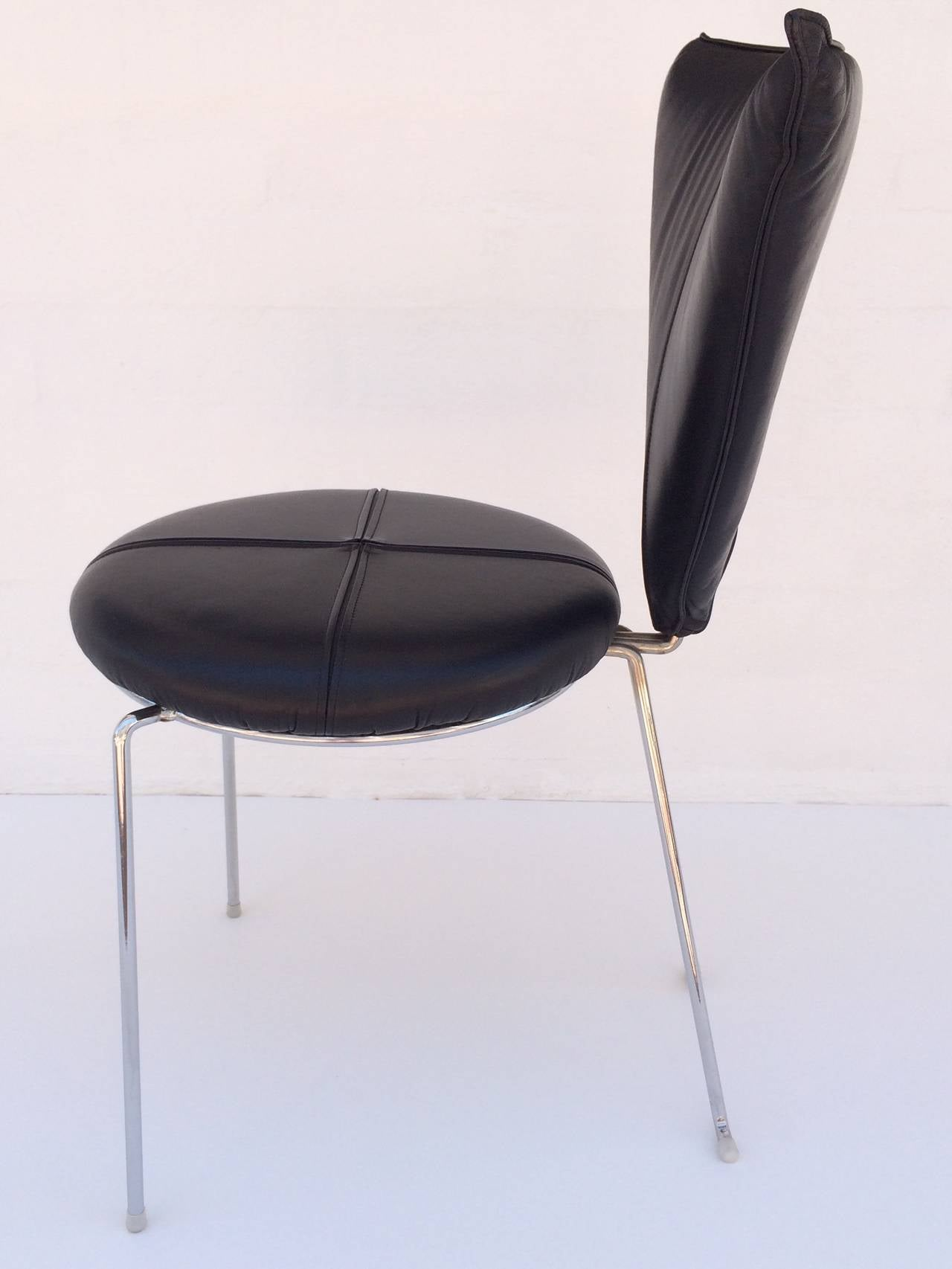 Rare Set of Four Black Leather and Chrome Chairs by Helmut Lubke & Co In Excellent Condition For Sale In Palm Springs, CA