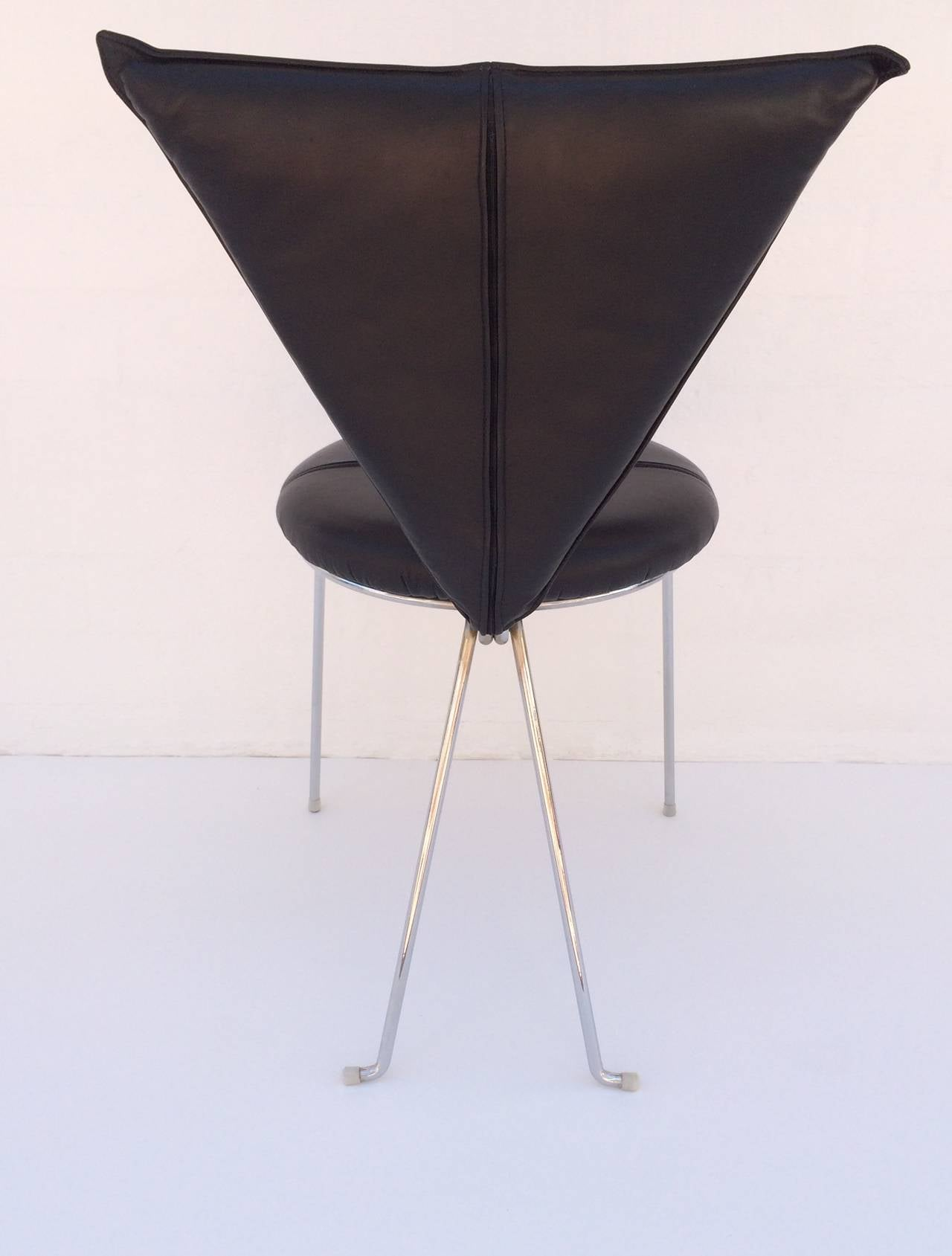 Rare Set of Four Black Leather and Chrome Chairs by Helmut Lubke & Co For Sale 1