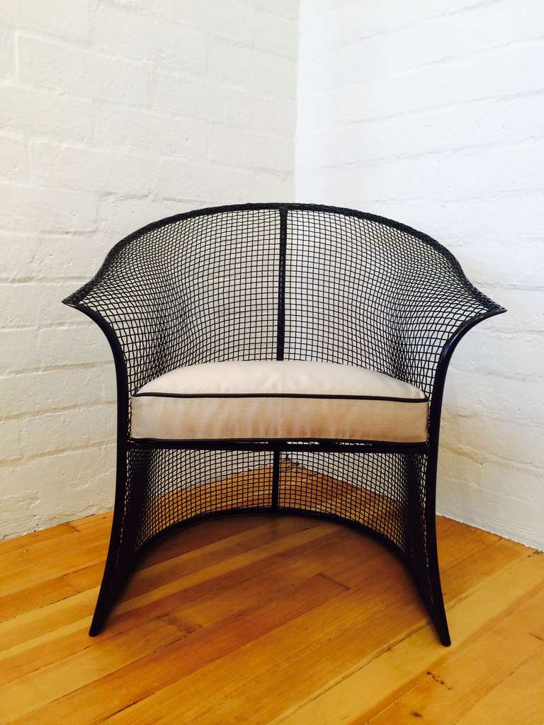 Gorgeous pair of mesh woodard patio chairs at 1stdibs for Woodard outdoor furniture