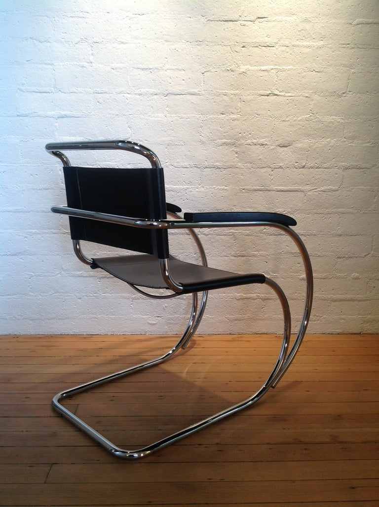 A Pair Of MR Lounge Chairs By Ludwig Mies Van Der Rohe At 1stdibs