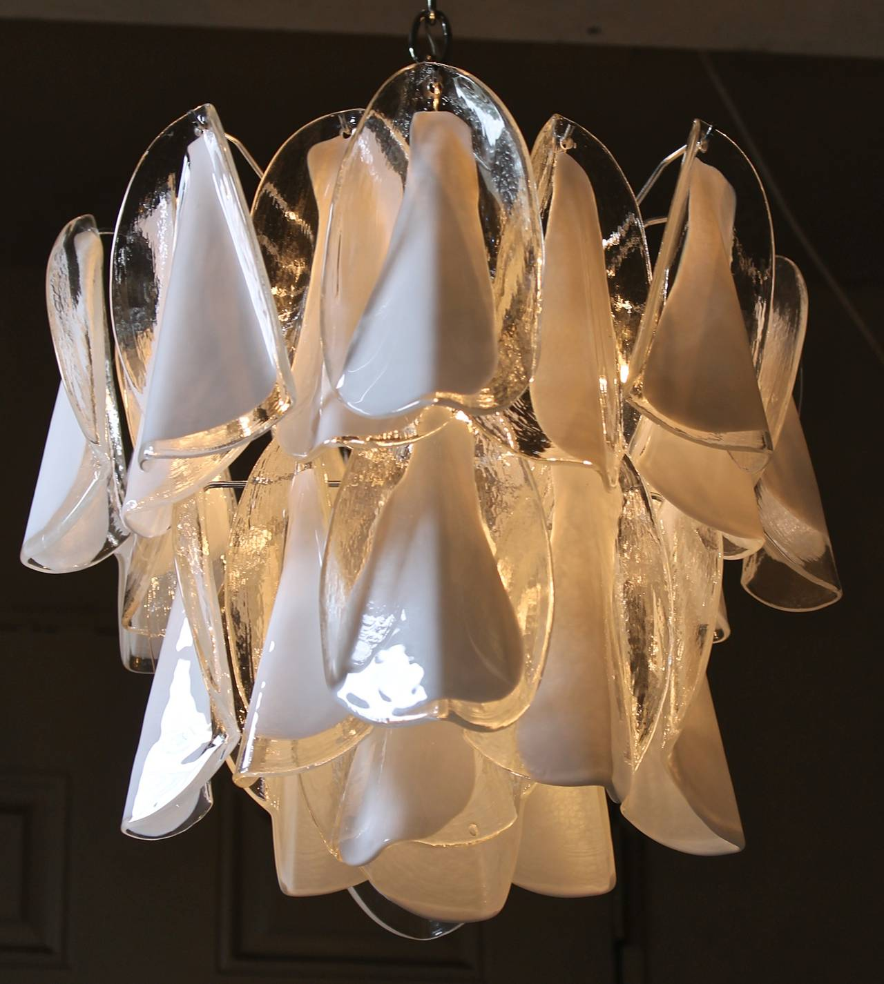 Mazzega Murano Clear White Petal Chandelier In Good Condition For Sale In Palm Springs, CA