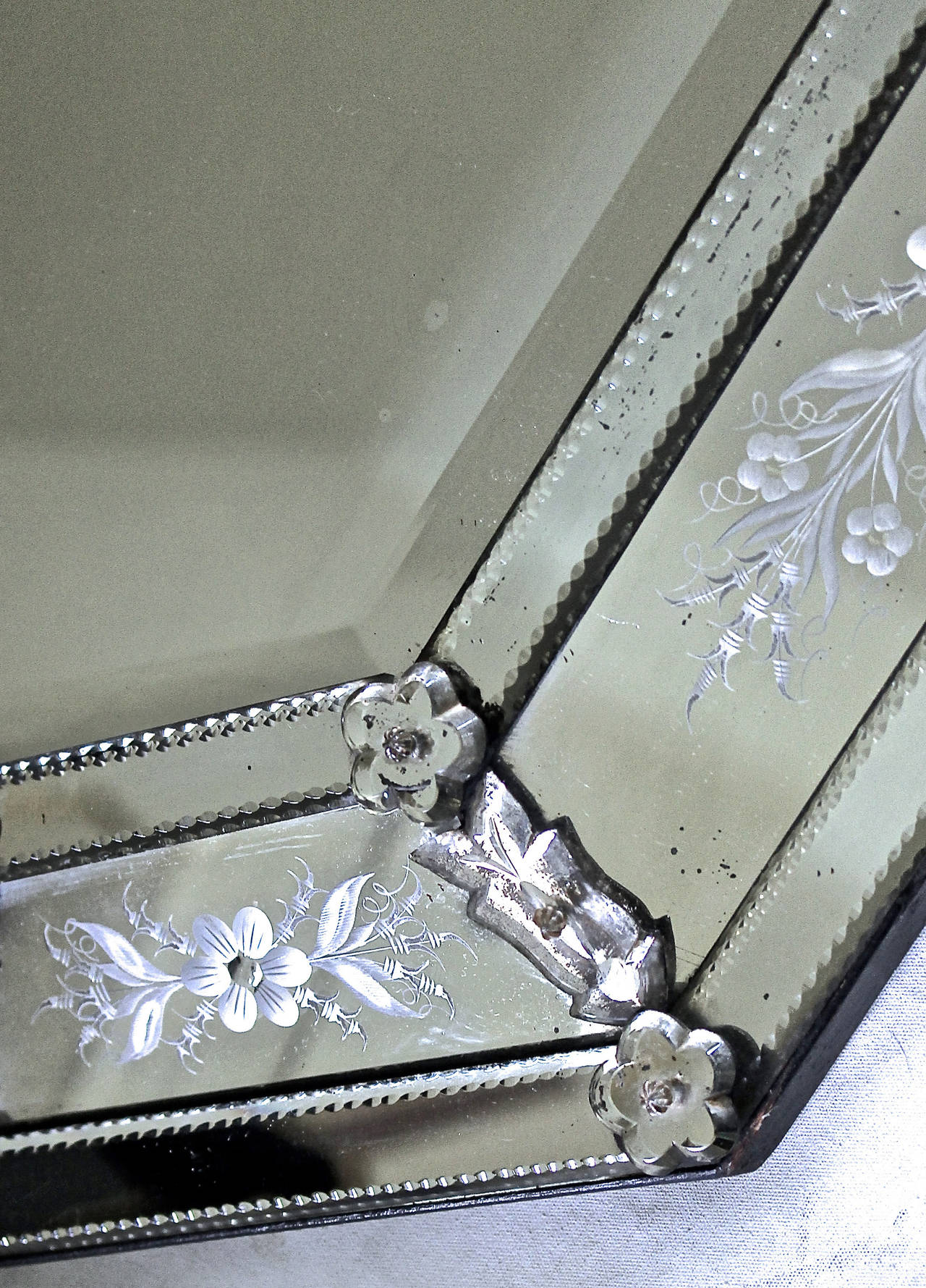 Italian Venetian Etched Glass Wall Mirror For Sale 1