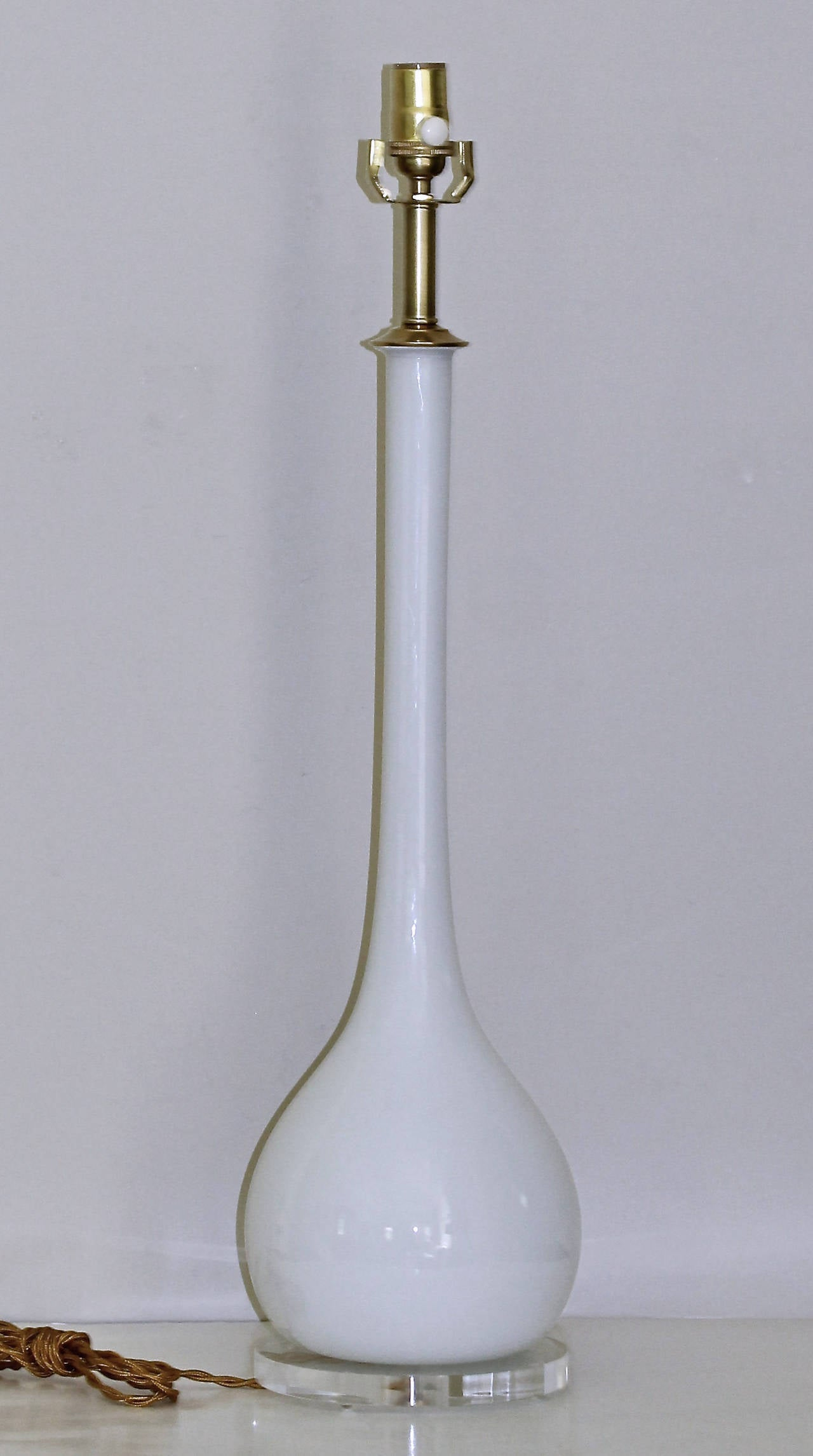 this tall murano italian white glass table lamp is no longer available. Black Bedroom Furniture Sets. Home Design Ideas