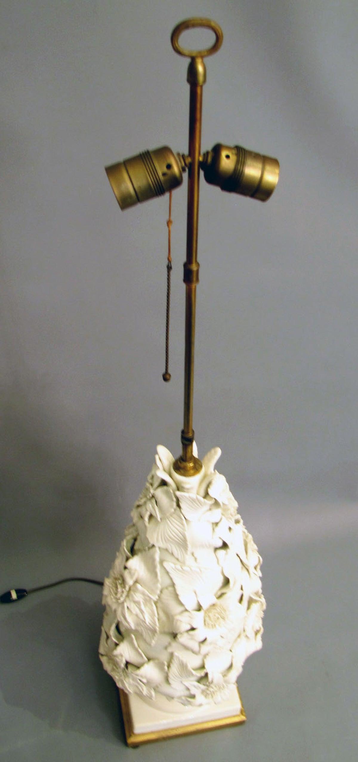 large white ceramic base lamp on a gilded wood base for sale at 1stdibs. Black Bedroom Furniture Sets. Home Design Ideas