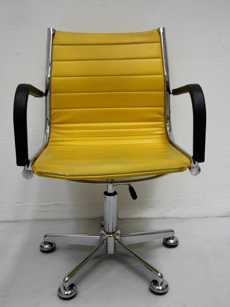 Ten 1950s Chairs in the Style of Charles Eames 2