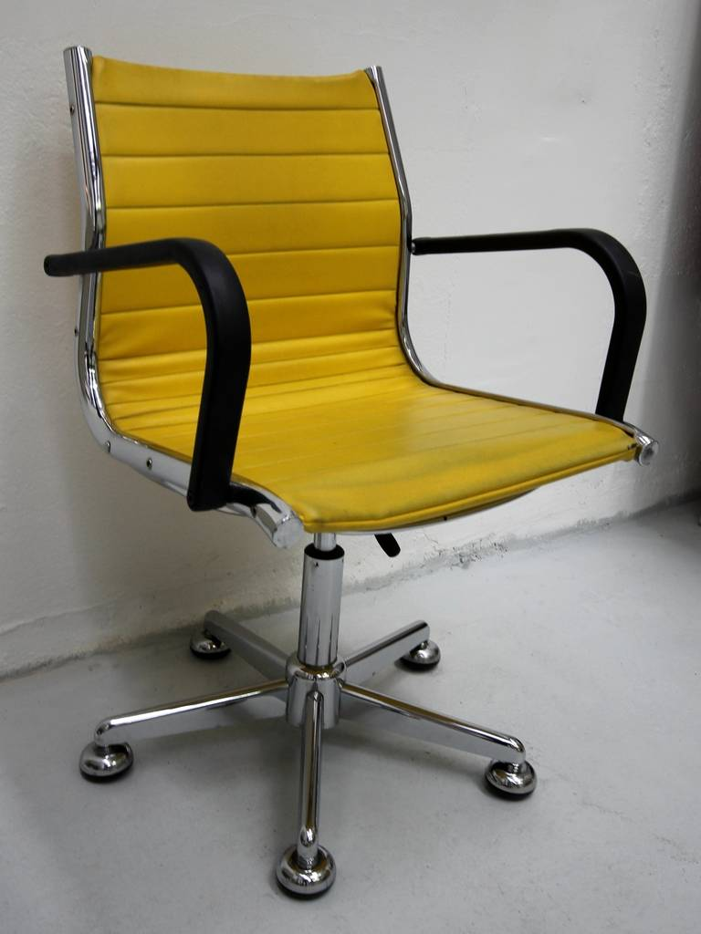 Ten 1950s Chairs in the Style of Charles Eames 3
