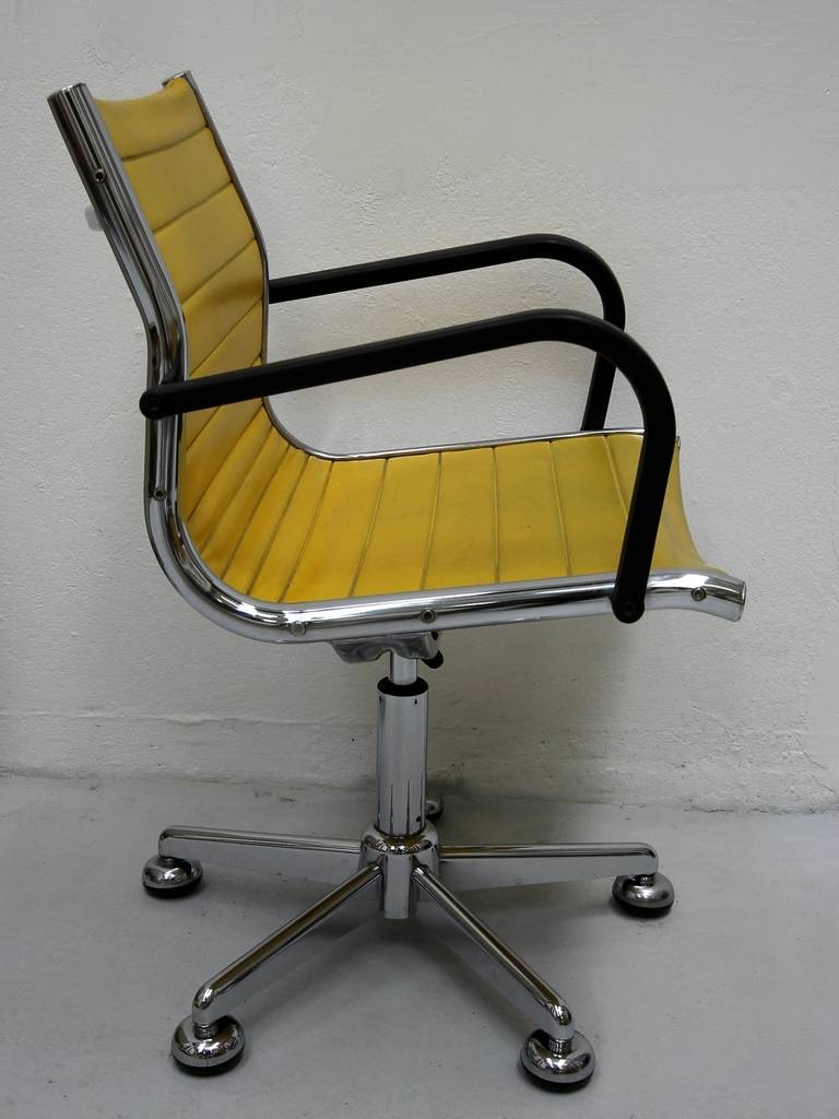 Ten 1950s Chairs in the Style of Charles Eames 5