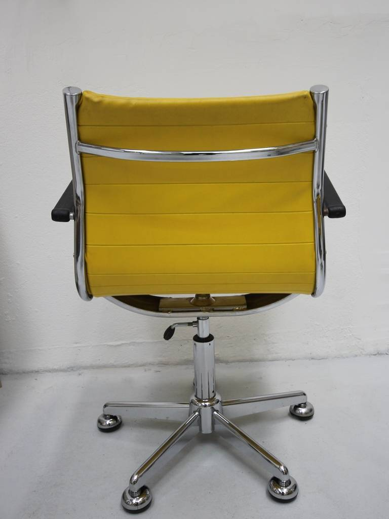 Ten 1950s Chairs in the Style of Charles Eames 4