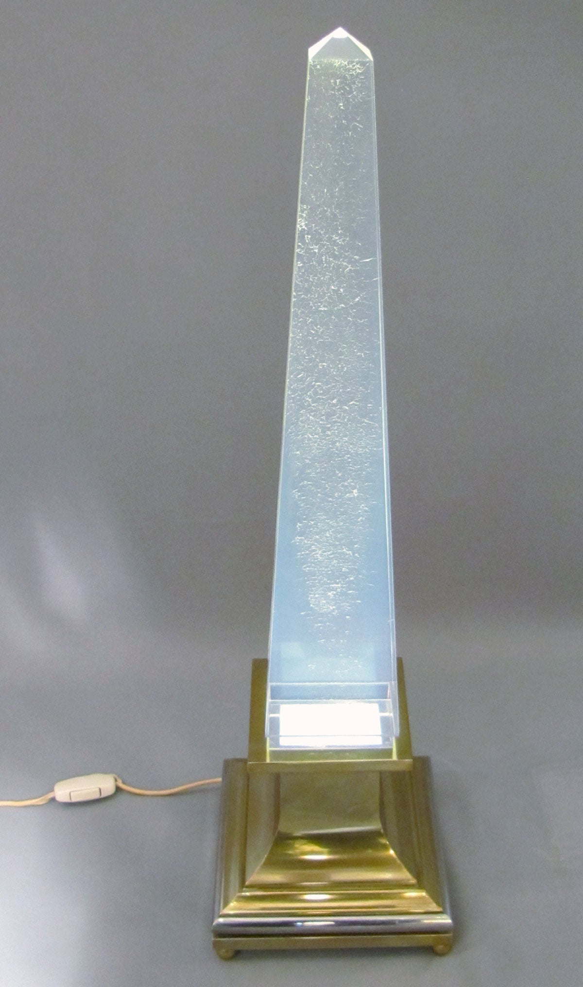 Gilt Rare Beautiful Lighting Obelisk by Angolometallarte, Roma, Italy, 1970 For Sale