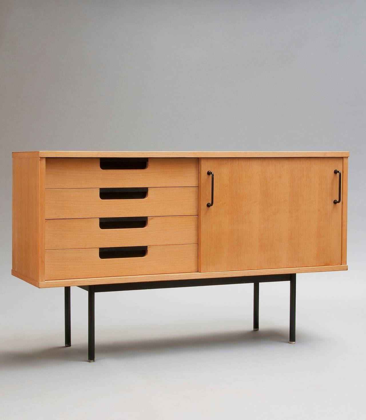 chest of drawers 148 by pierre guariche meubles tv. Black Bedroom Furniture Sets. Home Design Ideas