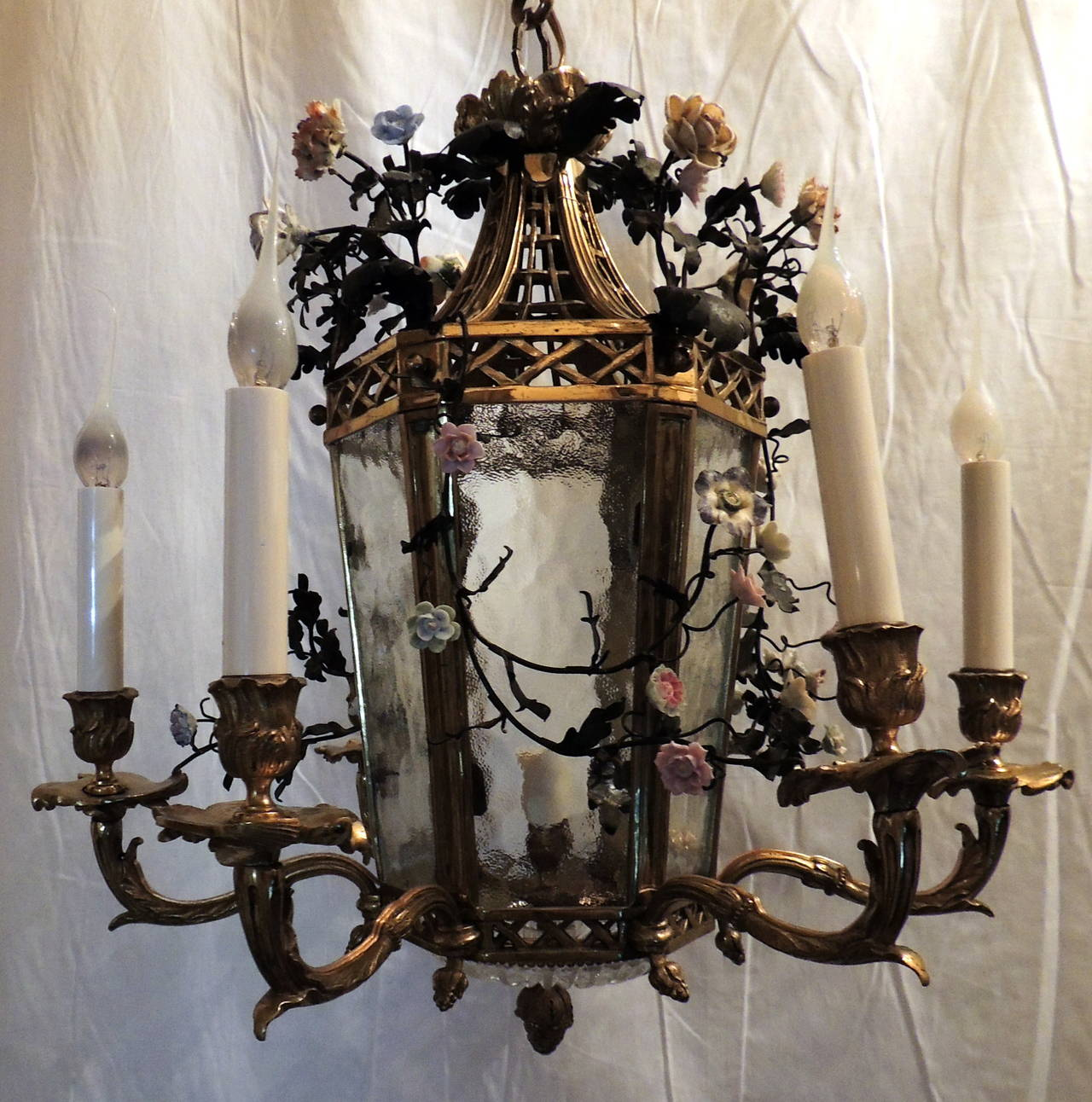 Wonderful French Dore Bronze Five-Light Lantern Chandelier Porcelain Flowers For Sale 1