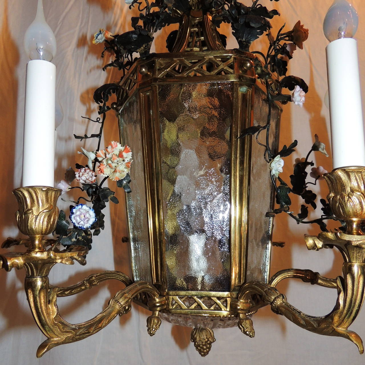 Wonderful French Dore Bronze Five-Light Lantern Chandelier Porcelain Flowers For Sale 2