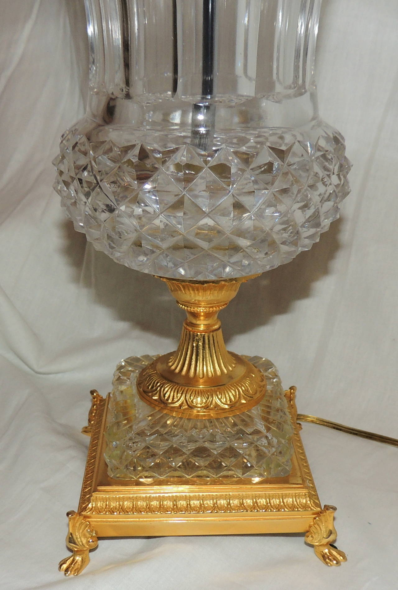 Mid-20th Century Exceptional Pair of French Doré Bronze and Cut-Crystal Ormolu Urn Form Lamps For Sale