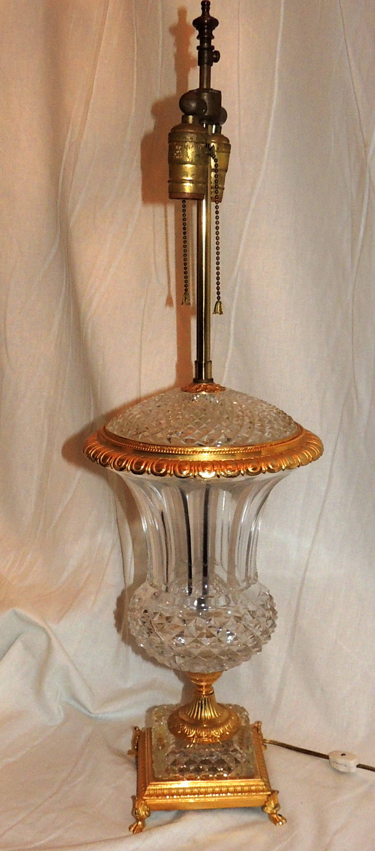 Exceptional Pair of French Doré Bronze and Cut-Crystal Ormolu Urn Form Lamps For Sale 4