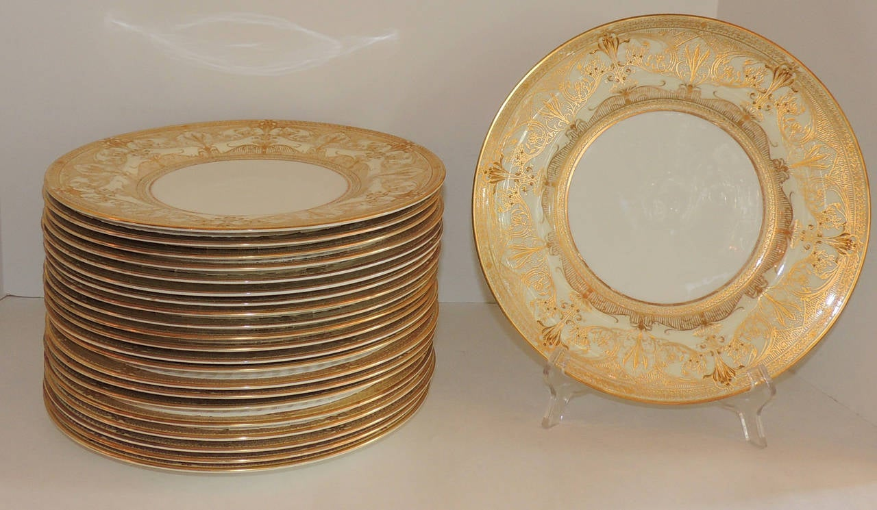 Perfect for the large gatherings vintage set of 24 Royal Worcester gold encrusted rim dinner & Elegant Set Of 24 Royal Worcester Gold Encrusted Ivory Dinner ...