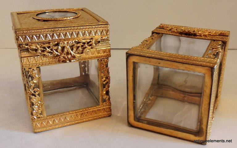 Elegant Pair of French Bronze Crystal Ormolu Vanity Boxes, Minature Portraits For Sale 2