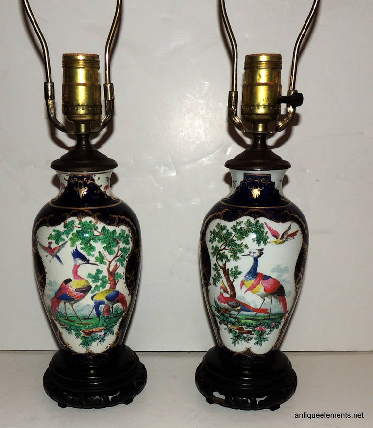 Wonderful Pair of Chinoiserie Blue, Hand-Painted Lamps Depicting Birds In Good Condition For Sale In Roslyn, NY