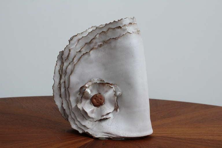 """Delicate Ceramic """"Ribbon"""" Vase 2"""
