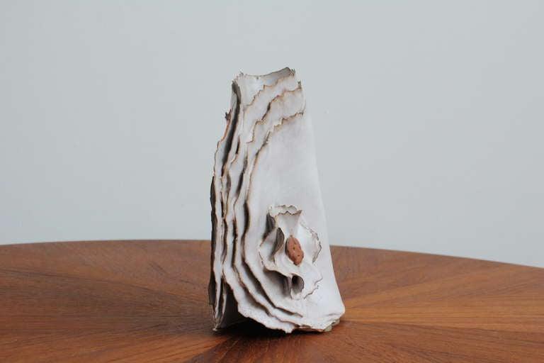 """Delicate Ceramic """"Ribbon"""" Vase 8"""