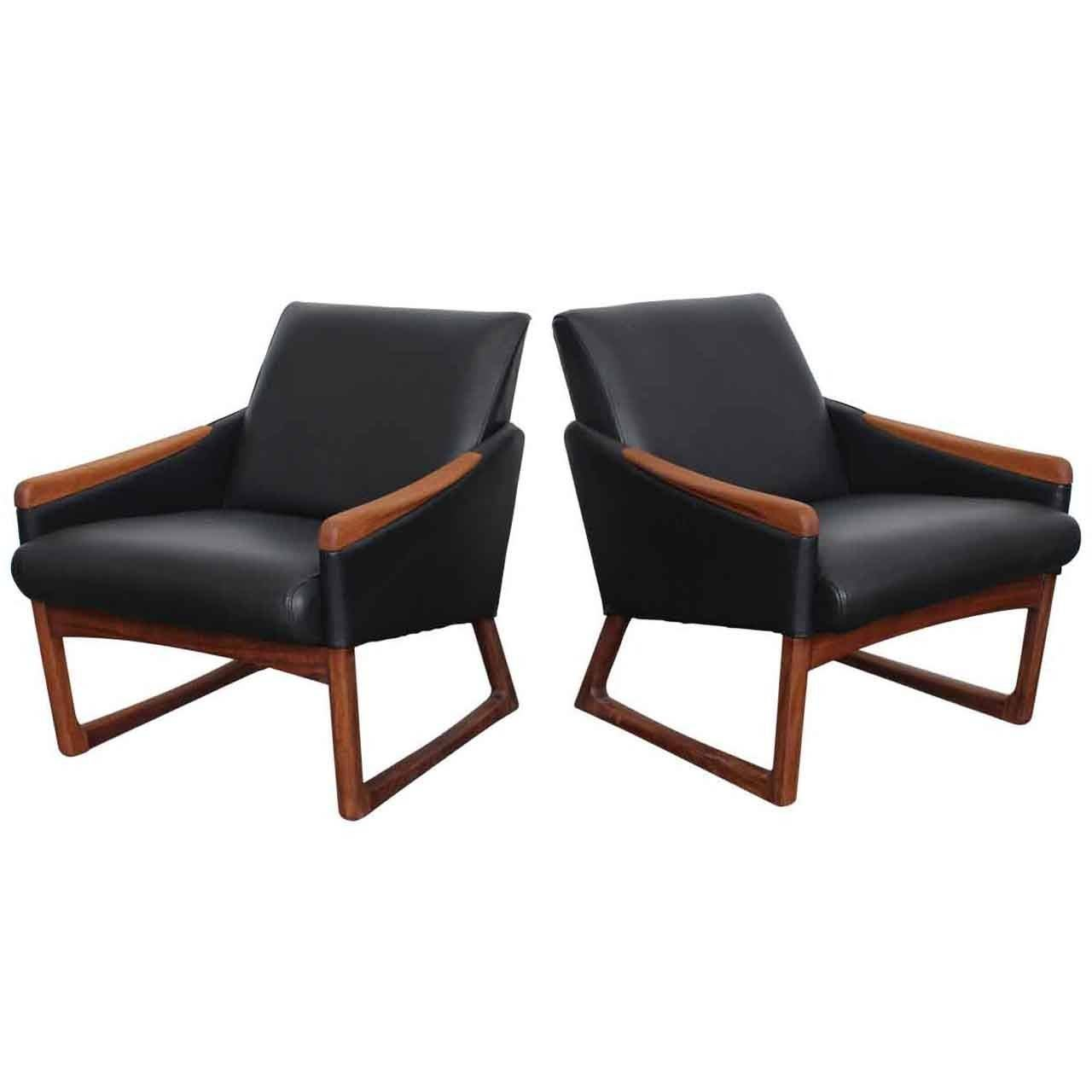 Mid century modern leather lounge chairs at 1stdibs for Mid century modern seating