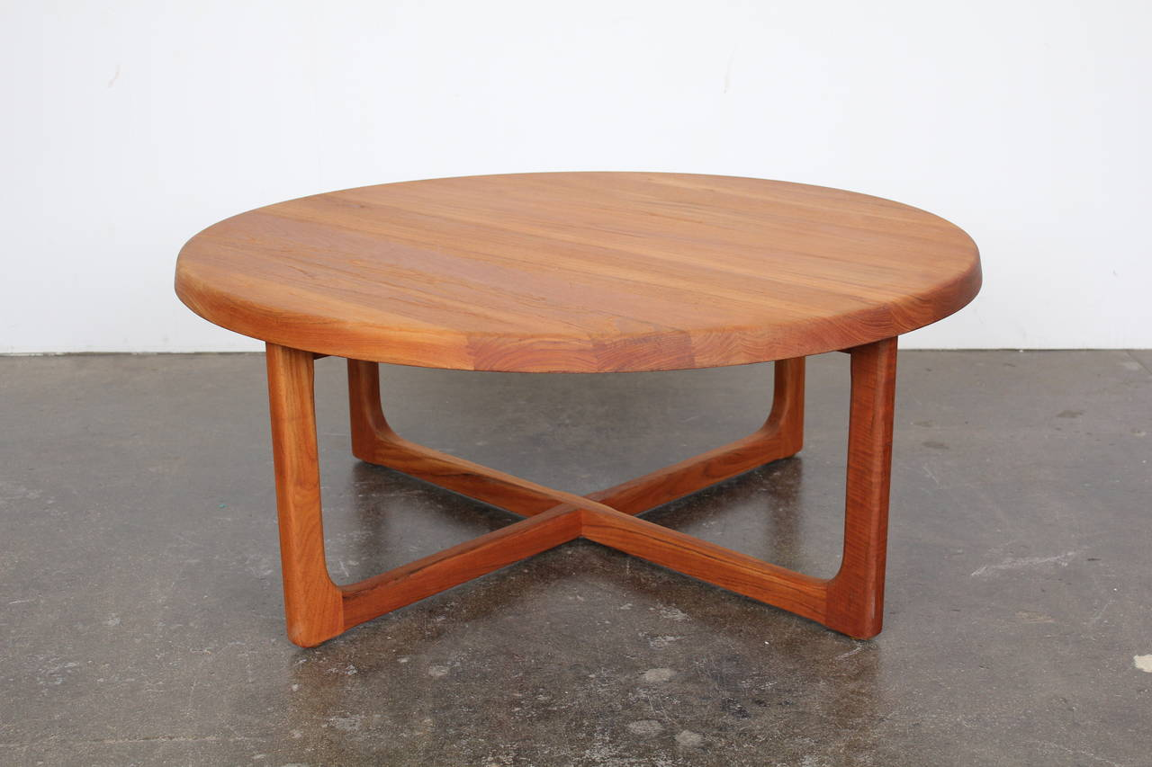 Mid century large round solid teak coffee table at 1stdibs Wide coffee table