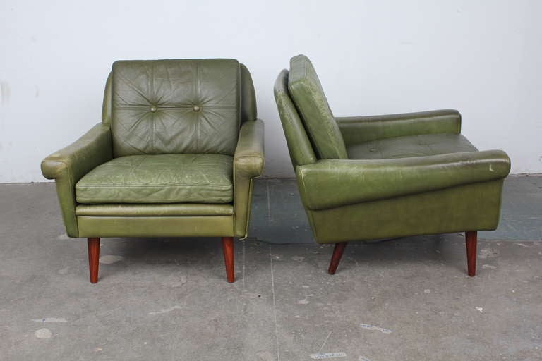 Pair Of Danish Mid Century Modern Leather Lounge Chairs 2