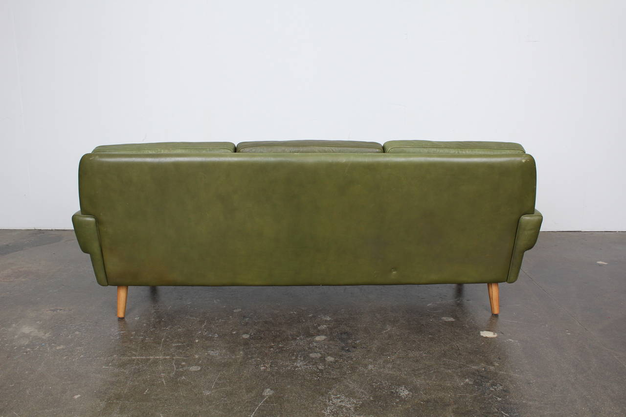 Mid Century Modern Green Leather Sofa By Skippers Mobler 3