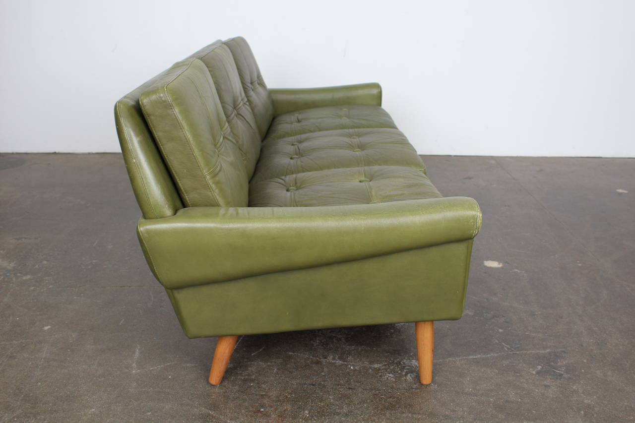 Mid Century Modern Green Leather Sofa By Skippers Mobler Image 10