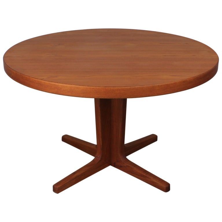 danish modern teak pedestal table at 1stdibs. Black Bedroom Furniture Sets. Home Design Ideas
