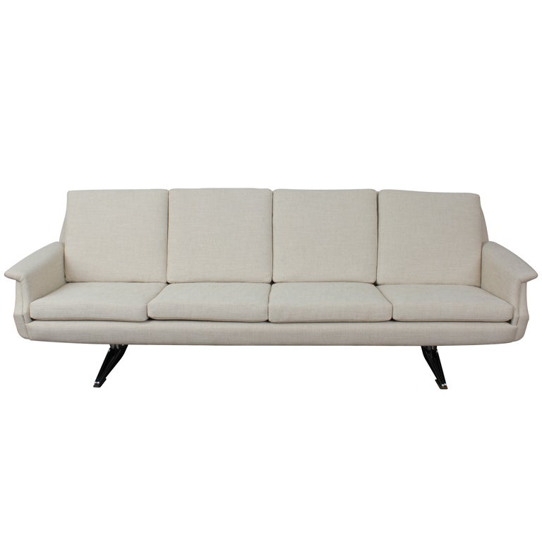 Mid Century Modern 4 Seat Sofa On Metal Legs At 1stdibs