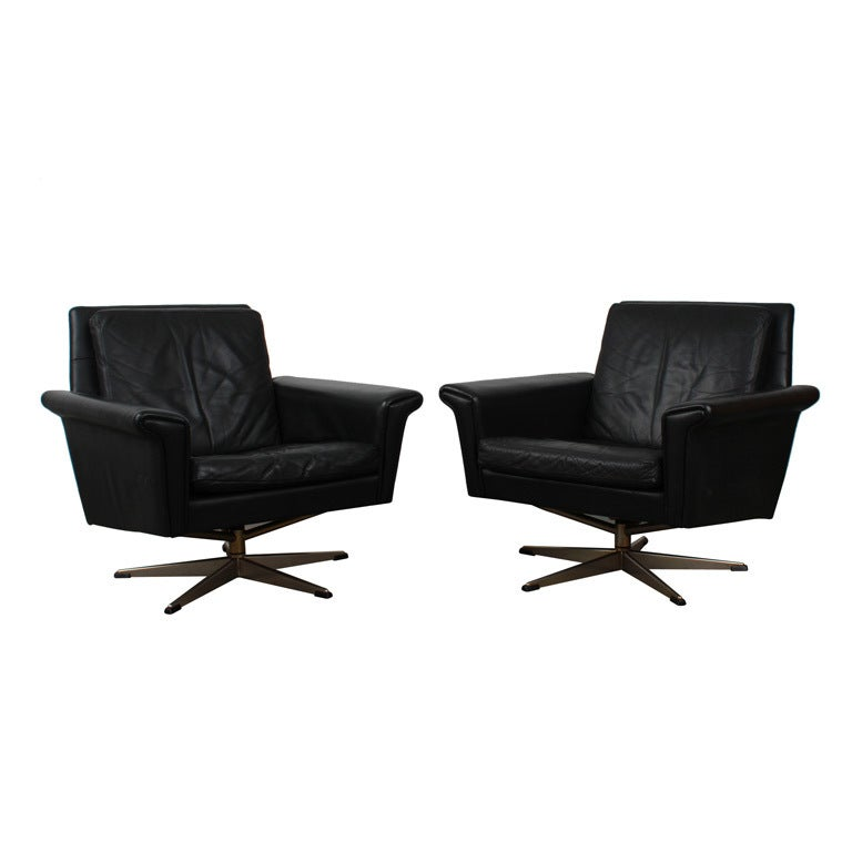 Pair of danish mid century modern black leather swivel for Contemporary black leather chairs