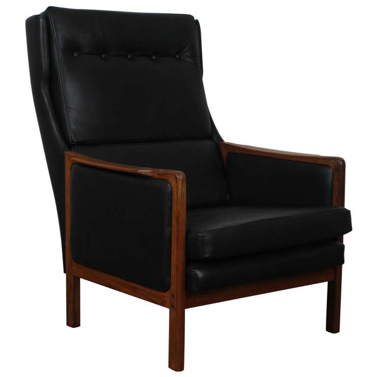 this black leather midcentury modern danish lounge chair is no longer