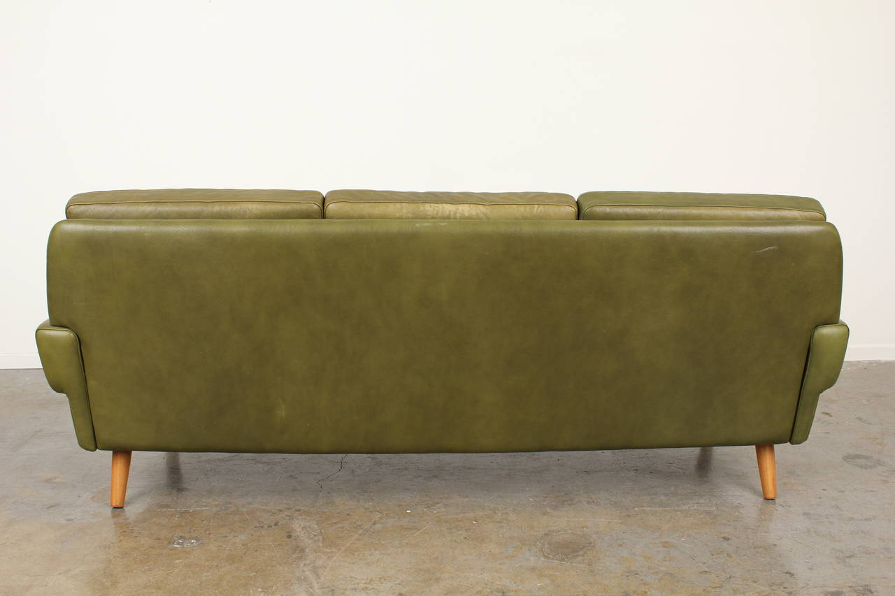 This Tufted Leather Sofa by Skipper Mobler is no longer available.