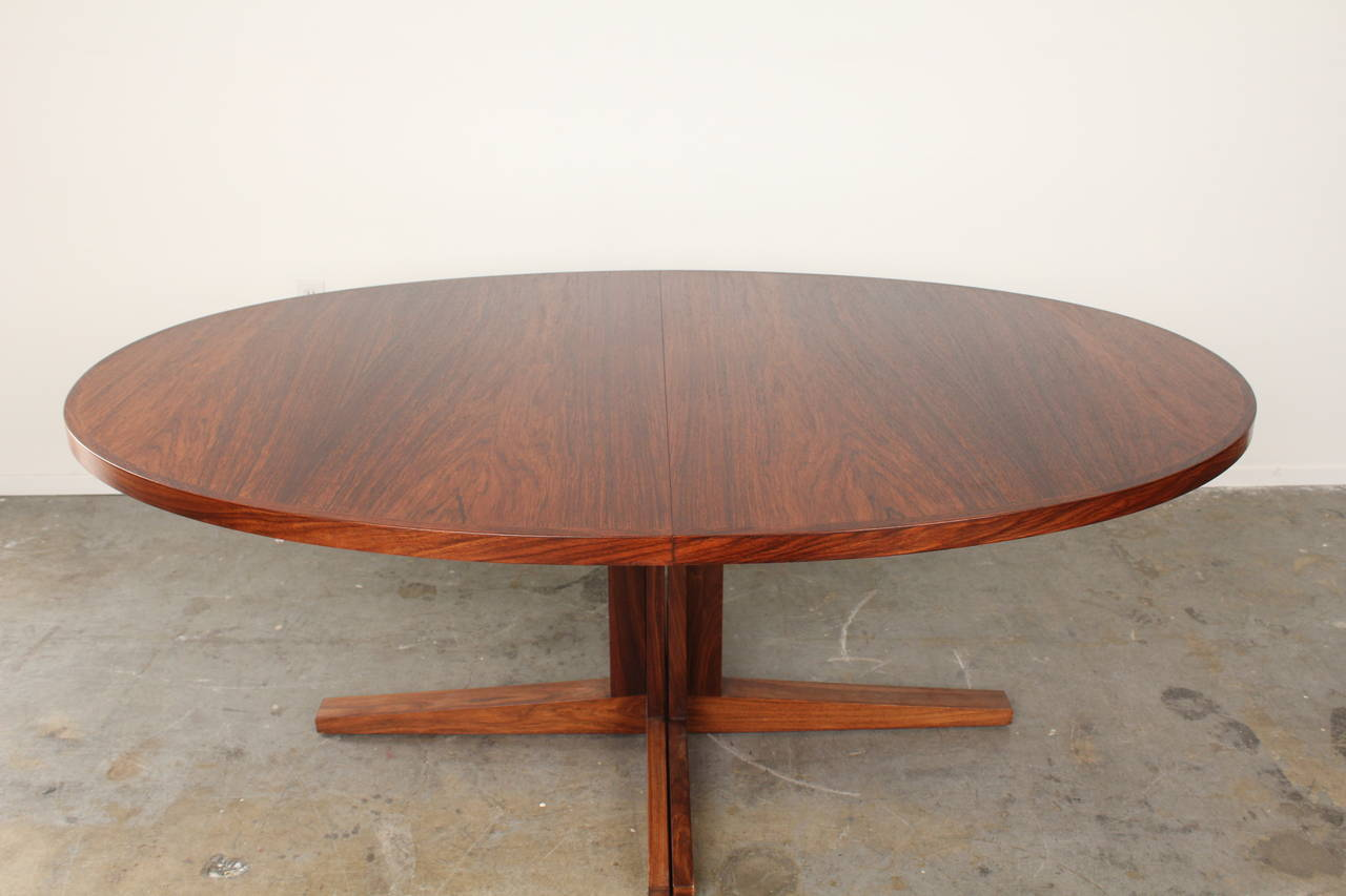 Oval Rosewood Mid Century Dining Table By John Mortensen At Stdibs - Mid century pedestal dining table