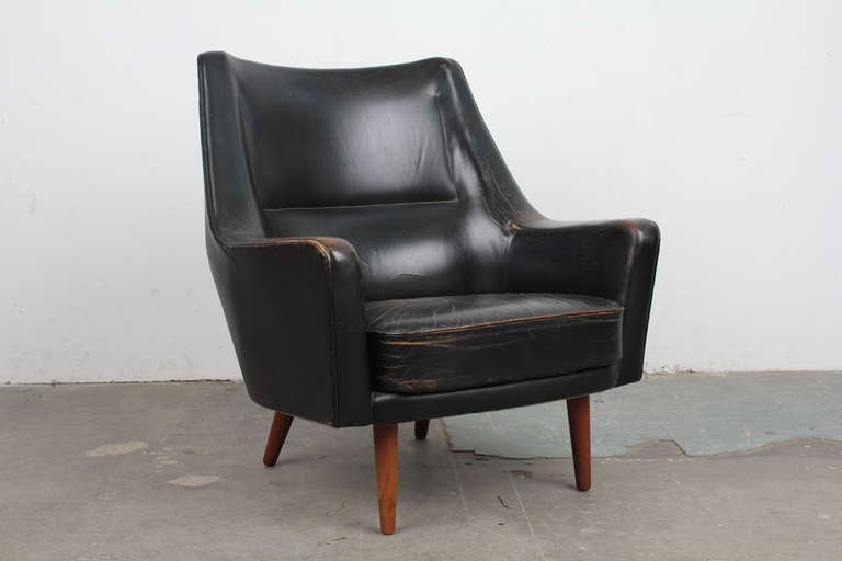 Black Leather Mid Century Modern Lounge Chair image 2