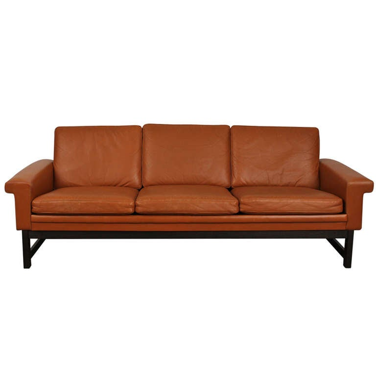 Mid century modern leather three seater sofa at 1stdibs for Mid century modern leather sofa