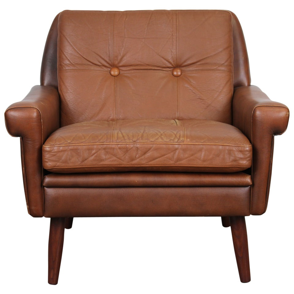 Danish modern brown leather chair by skipper mobler at 1stdibs for Modern leather club chair