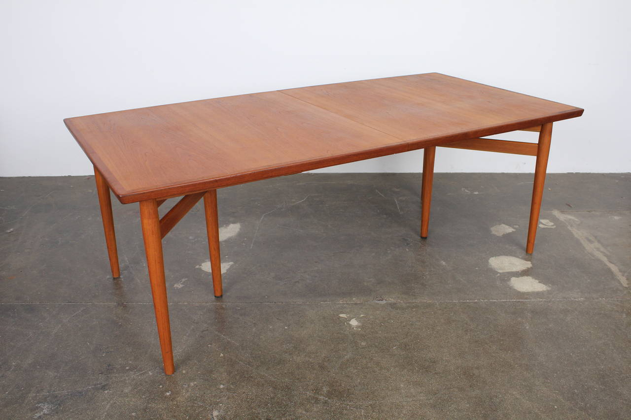 arne vodder teak danish dining table produced by sibast at 1stdibs. Black Bedroom Furniture Sets. Home Design Ideas