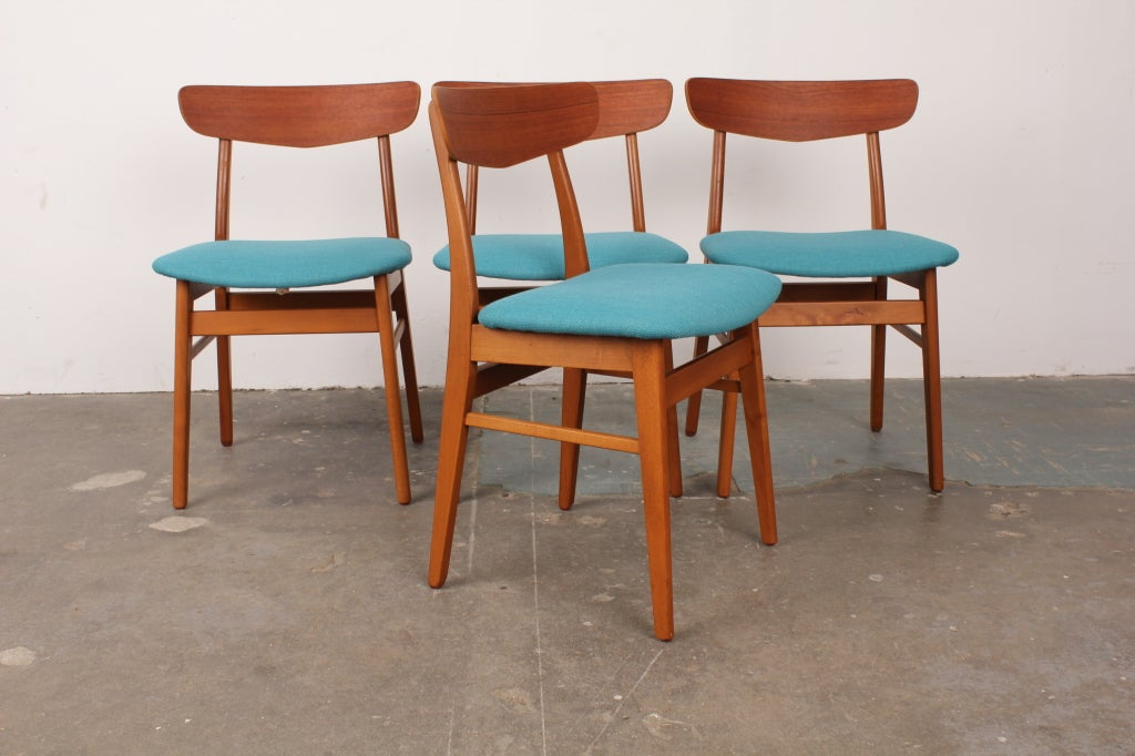 Set of 4 danish mid century modern teak and oak dining for Contemporary oak dining chairs