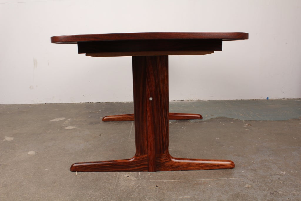 Danish Mid Century Modern Rosewood Pedestal Oval Dining Table Image 5