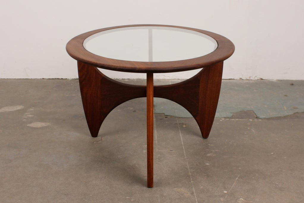 Mid Century Modern Oval Coffee Table By VB Wilkins For G Plan Image 4
