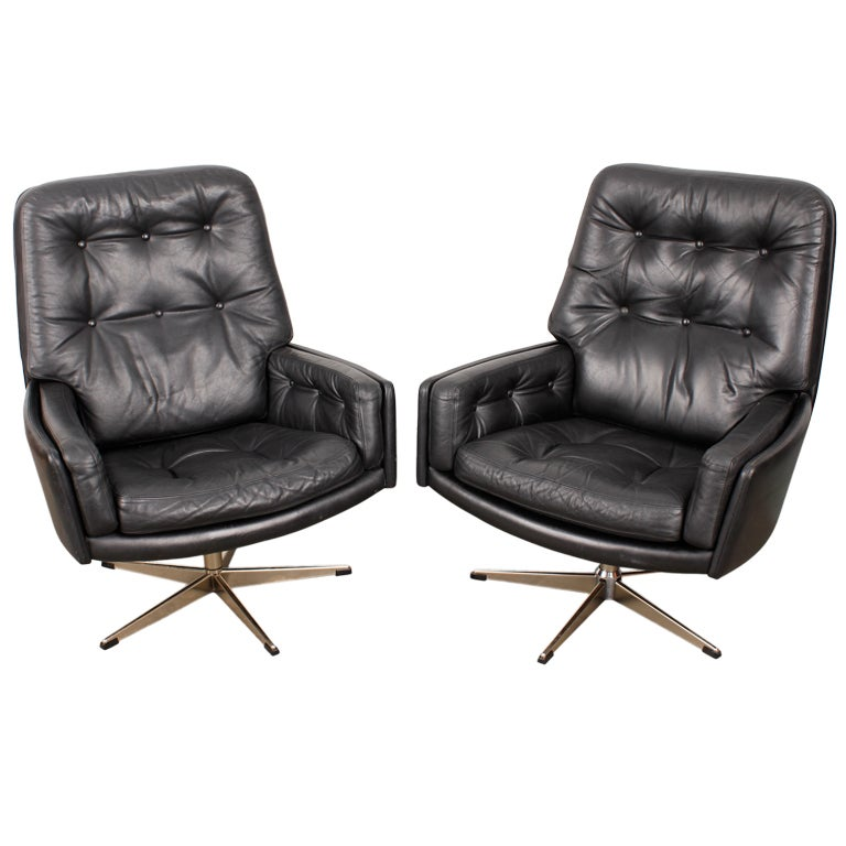 Pair of Danish Mid Century Modern Leather Lounge Chairs at