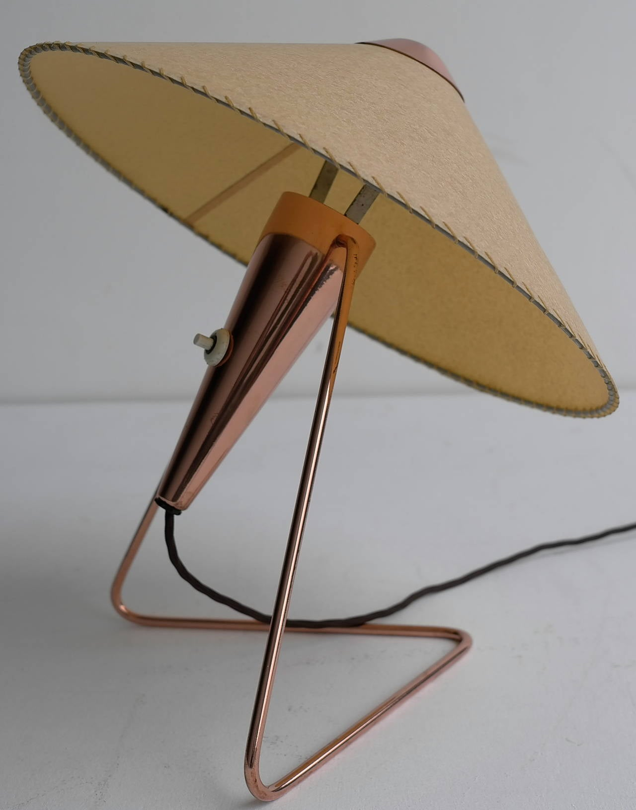 V-Shaped Copper Table Lamp, 1950s For Sale 4