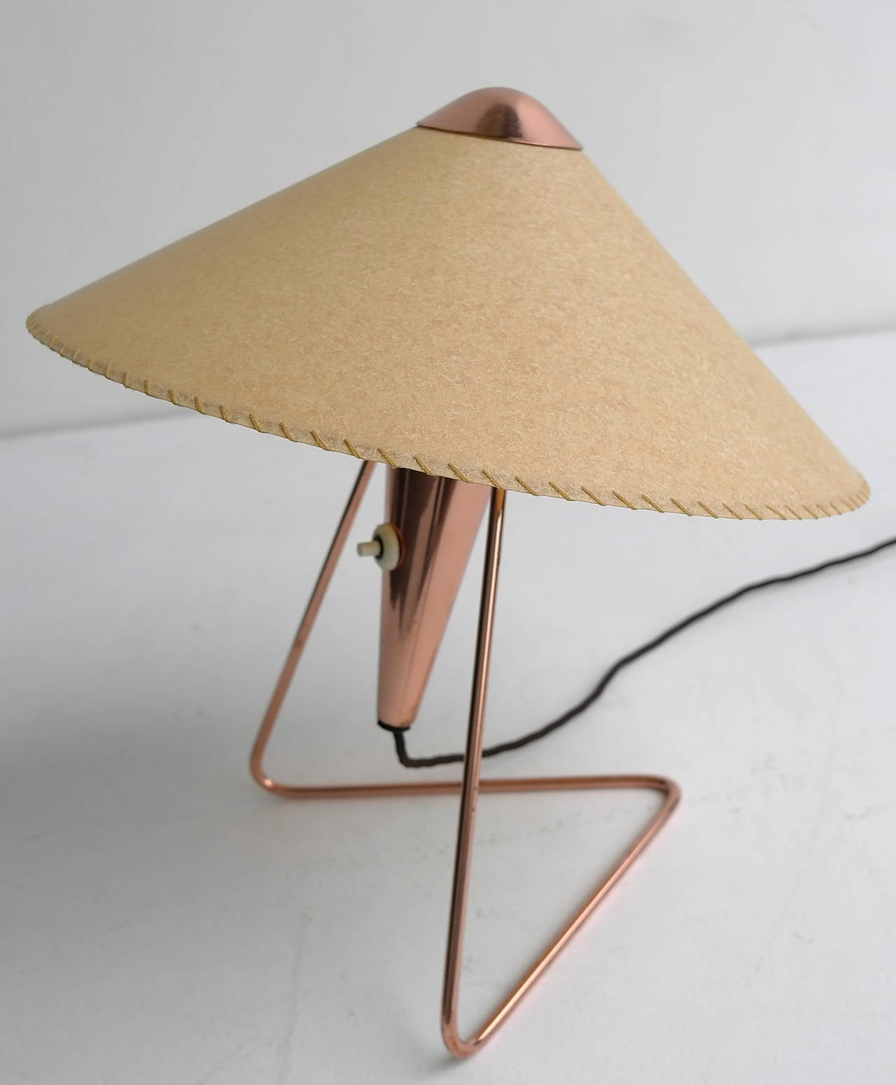 V-Shaped Copper Table Lamp, 1950s For Sale 3