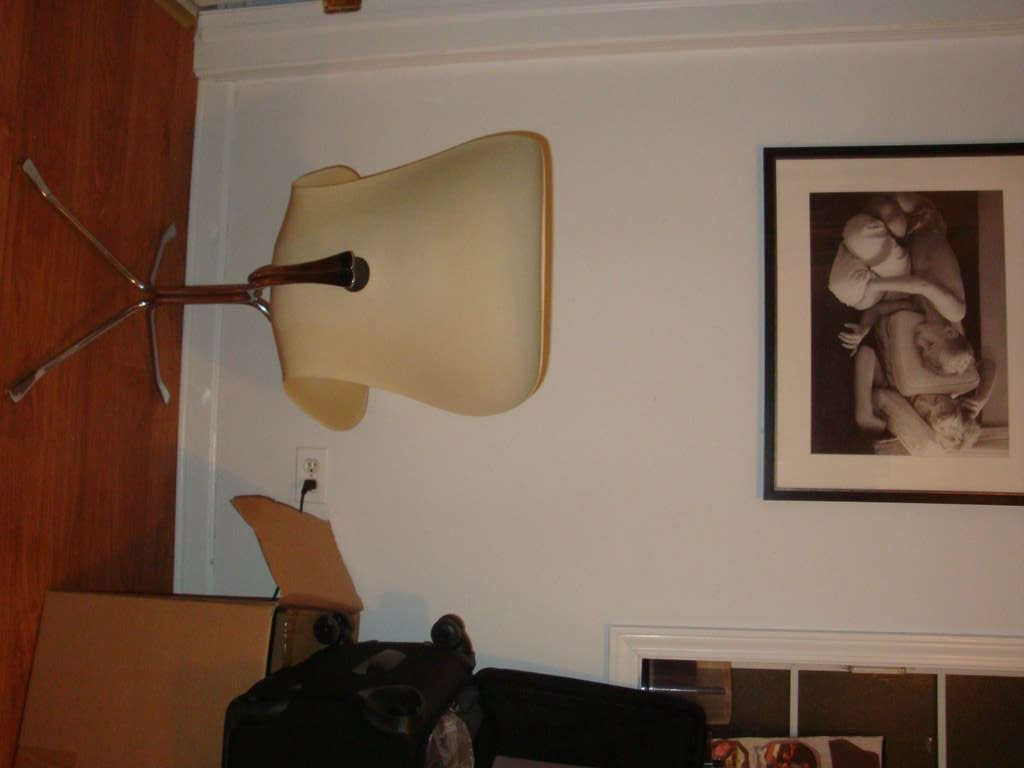 Vintage Ion Chair In Excellent Condition For Sale In Chicago, IL