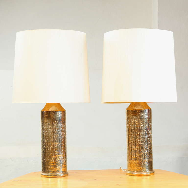 high end pair of large bergboms gilded ceramic table lamps sweden at. Black Bedroom Furniture Sets. Home Design Ideas