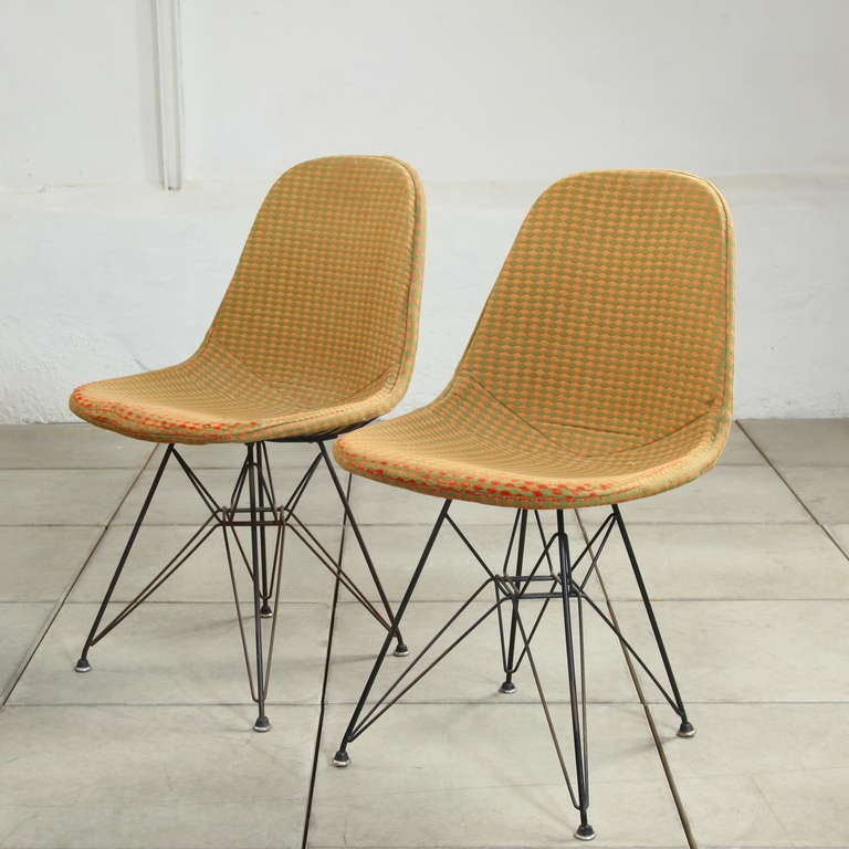 Early Eames DKR Wire Chairs With 39 Girard 39 Fabric At 1stdibs